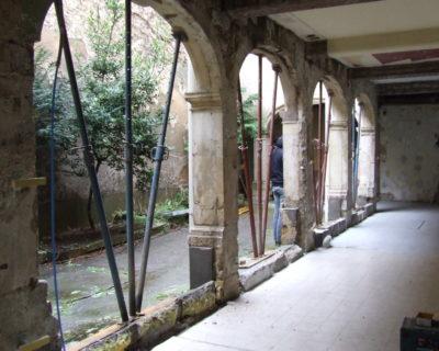 En cours dans un couvent du XVIIIe siècle à Nancy en cœur d'ilot
